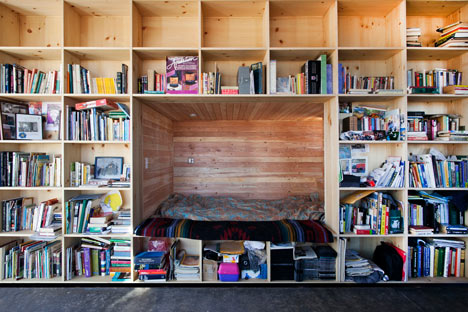 Book-nook-in-house-designed-by-University-of-Colorado-students