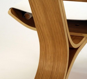 Modern-Chairs-Made-Of-Bent-Plywood-and-Leather